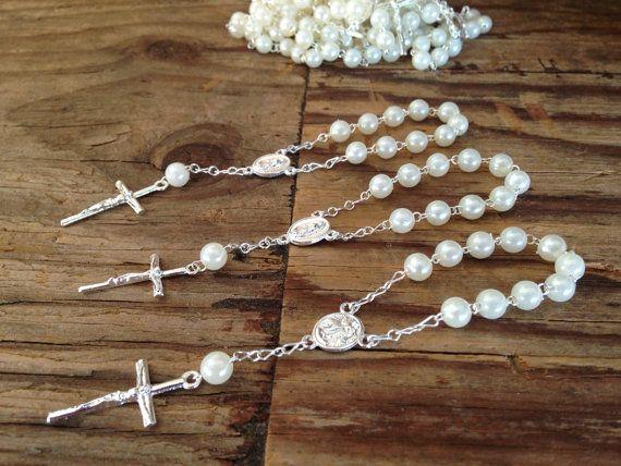 25PC Taufe Gefälligkeiten aus weissen Perlen / von WEDDINGLASSOS