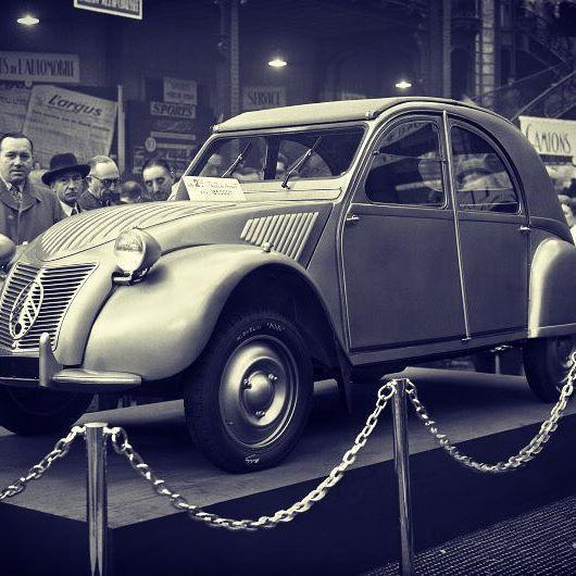 #anniversaire #2cv 7 octobre 1948 #deudeuche #citroën #retromobile