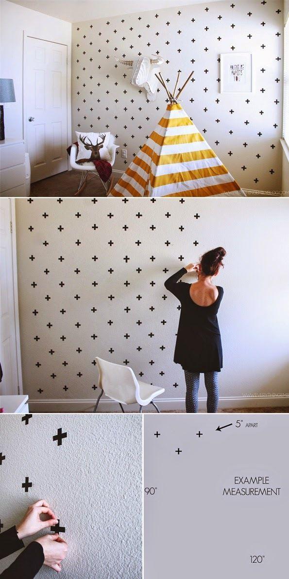 아이들 방에 더 어울릴법한데 위에 사진처럼 캠핑 분위기를 내기위해 벽지 대신 검정 테이프로 + 모양으로 붙이면 별 하늘 같은 느낌을 낼수 있어요.   도배 하기 힘든 분들이 활용할수 있는 매우 쉬운 아이디어네요.   벽에서 뗏다 붙였다 하기위해 전열 테이프를 사용하시면 됩니다