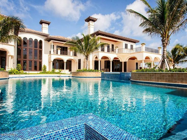 Luxury mansion with 7 bedrooms, 11 baths and over 16,000