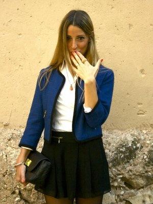Issimo Outfit  falda cuñas corte chanel  Primavera 2012. Combinar Falda Negra Zara Woman, Chaqueta-Cazadora Azul oscuro/Noche H