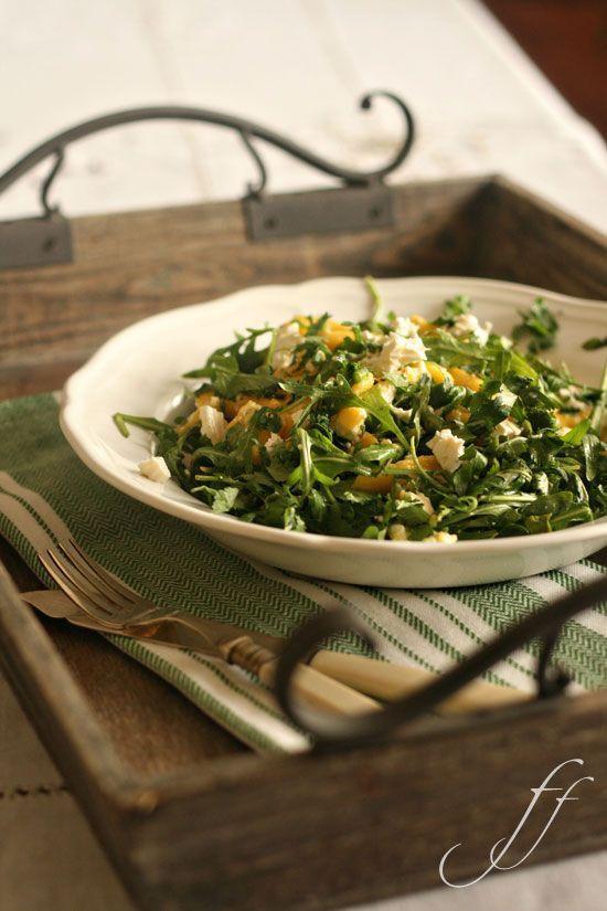 Rucola-Salat mit Mango und Feta