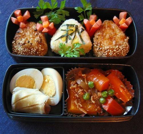 Japanese food presentation is so very elegant.
