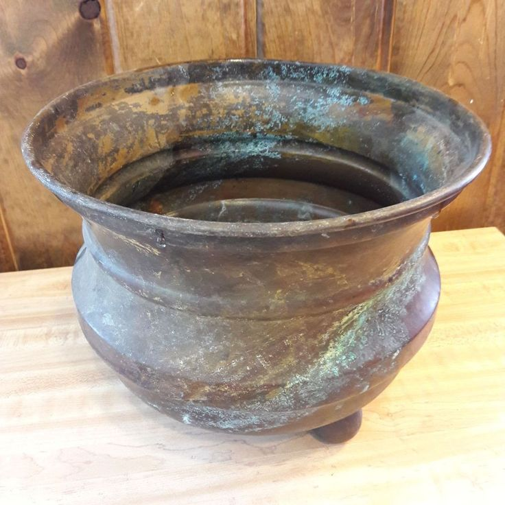 Vintage Primitive Looking 3 footed Copper Pot  From Old-Time Farm Auction