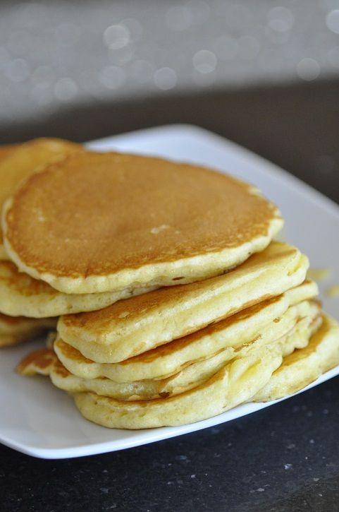 Pour le petit déjeuner ce matin j'ai improvisé une petite recette de pancakes épais et moelleux. J'ai utilisé du lait fermenté (que l'on trouve aux rayon frais) appelé lait ribot, lait fermenté ou buttermilk ou encore d'autres petits noms. Ce produit...