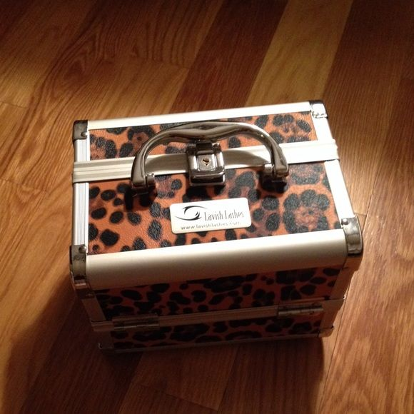 Leopard print Lavish Lashes Starter Kit Complete starter kit for lash extensions.  Includes lashes of several lengths, adhesive, stainless application tools and more. Other