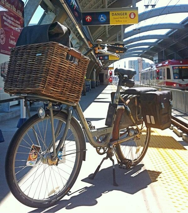 My Personal Delivery Bike from Batavus. BikeBike Inc. (BikeBikeYYC) on Twitter