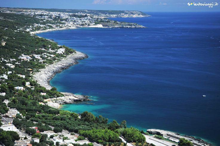 La selvaggia e frastagliata costa immediatamente a sud di #Otranto.
