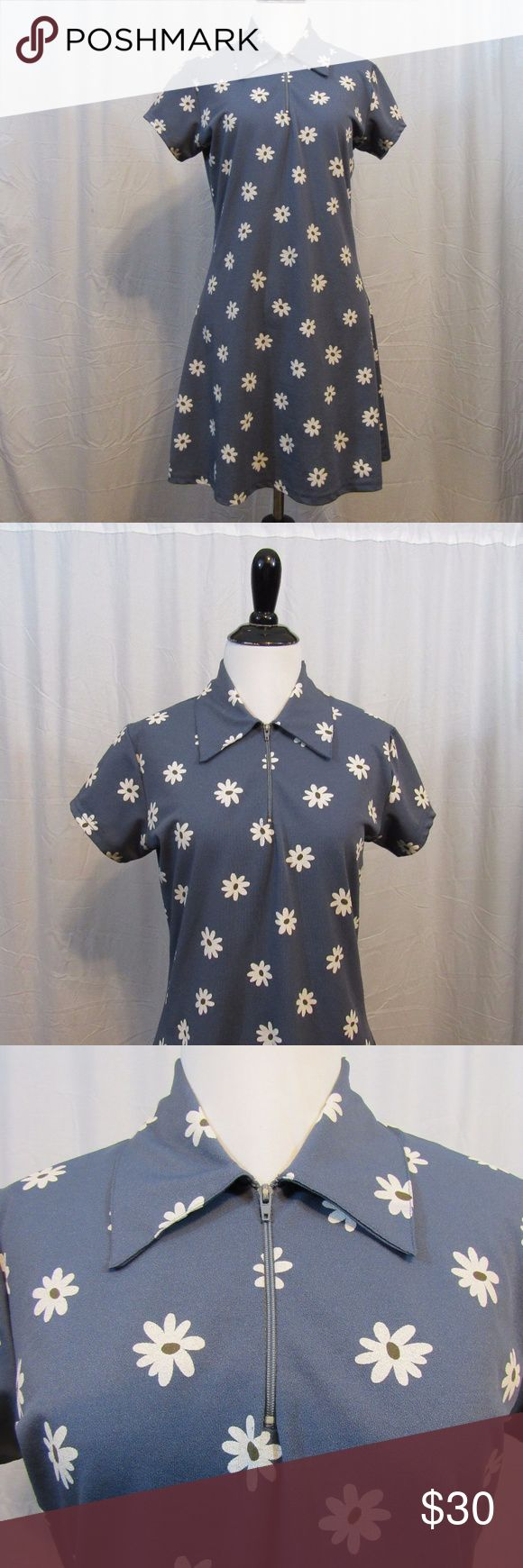 "Joule Blue Daisy Floral Short Sleeve Dress S Brand: Joule  Size: S Material: 100% Polyester Care Instructions: Machine Wash Bust: 37"" Sleeves: 5"" Length: 34""  All clothes have been inspected and are in excellent used condition unless otherwise noted. P52 Joules Dresses Mini"