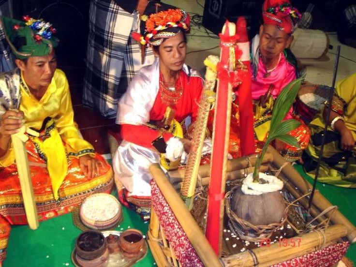 Bissu Bugis, Kepercayaan Tradisional Bugis Sulawesi Selatan | Makassar | Daeng Becak MKS