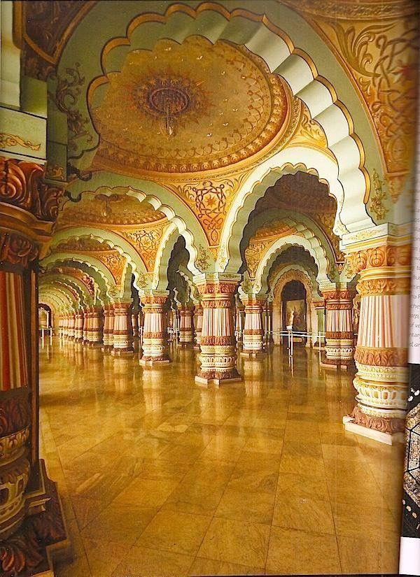 Palácio de Mysore, Índia - foi a residência oficial dos Marajás de Mysore que governaram o principado de 1350 a 1950