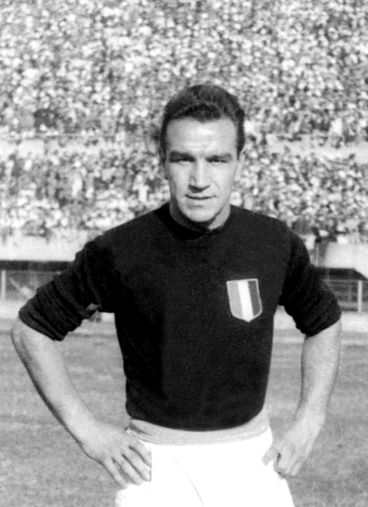 Ezio Loik (AC Torino, 1942-1949, 176 apps, 70 goals) died in the Superga air disaster on 4 May 1949.