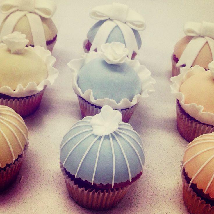Lemon curd and blackberry jam cupcakes