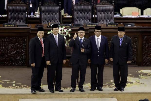 Sorak-sorai KMP Duduki Kursi Pimpinan MPR