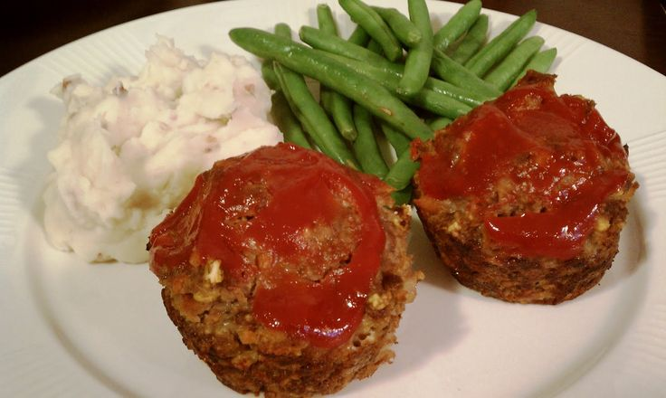 Meatloaf Muffins – olive oil, onion, carrot, oregano, garlic, ketchup, ground beef, crackers, mustard, Worcestershire sauce, ground pepper, eggs