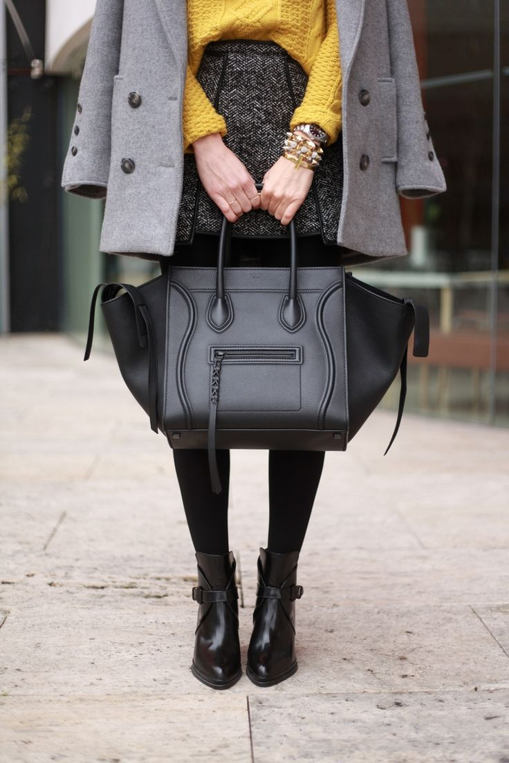Coat: Gat Rimon vía El Vestidor de la Reina * Pull: Primark (AW12) * Skirt: Asos (AW12) * Bag: Celine * Bracelets: Lowlita + À Bicyclette (SS13) * Boots: Zara (AW12)