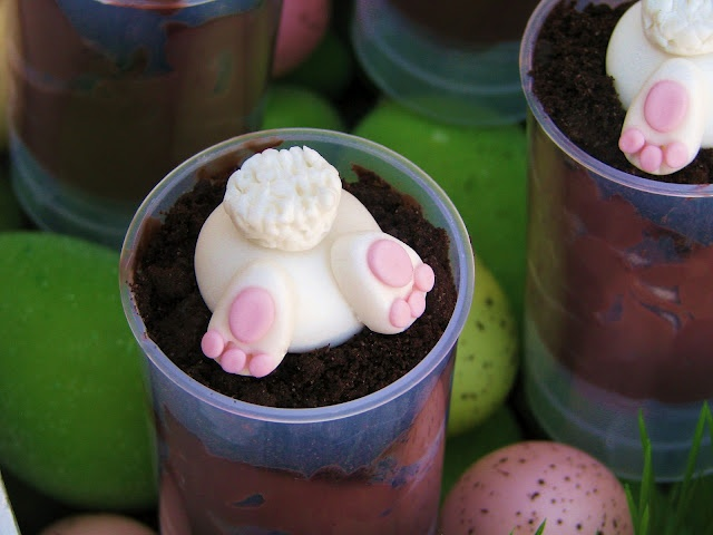 Bunny Butt Cakes + tons of other cute ideas for an Easter Bunny Egg Hunt Party!
