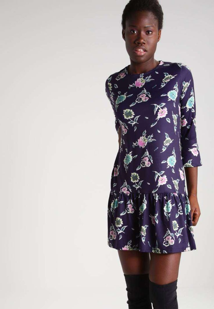 Outstanding 130+ Beautiful Floral Dress https://fazhion.co/2017/03/30/130-beautiful-floral-dress/ Winter gloves are designed in accordance with the requirements of the consumer. Besides dresses, these types of boots seem cool with denim skirts too. Cowboy boots are not only for cowboys and they're seen throughout the ramp. Check The Details at https://fazhion.co/2017/03/30/130-beautiful-floral-dress/