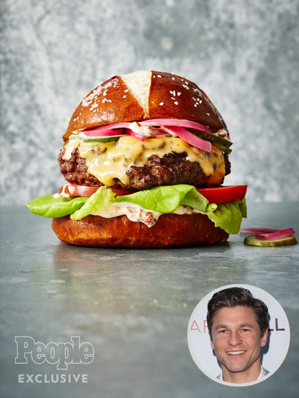EXCLUSIVE: David Burtka's Pretzel Cheeseburger With Chipotle Mayo Is the Burger You Really, Really Want to Eat http://greatideas.people.com/2016/03/11/david-burtka-pretzel-burger-chipotle-mayo-recipe/