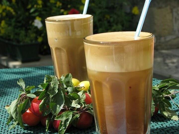 Greek frape coffee