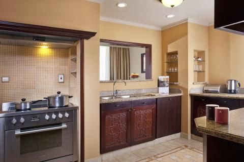 A kitchenette that can be used for daily culinary purposes.