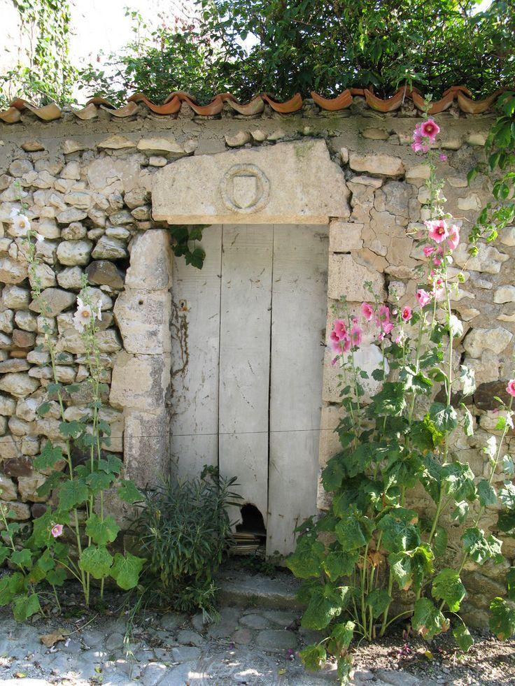 Village de Talmont, entrée dune vieille maison(par Alk)