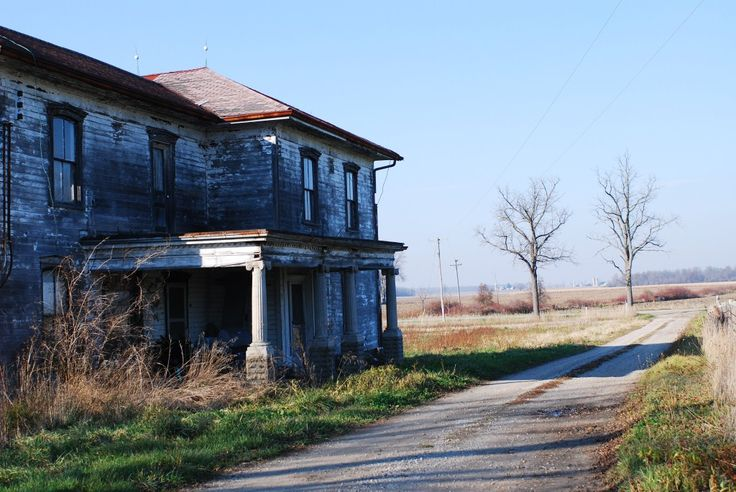 Abandoned Mansion in Lambton County, Ontario