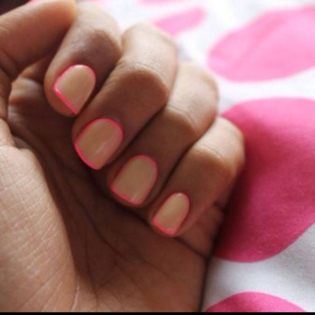 outlined neon nails!