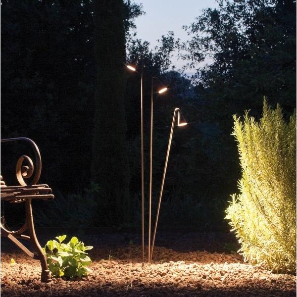 Brisa, lampara para jardín de Vibia