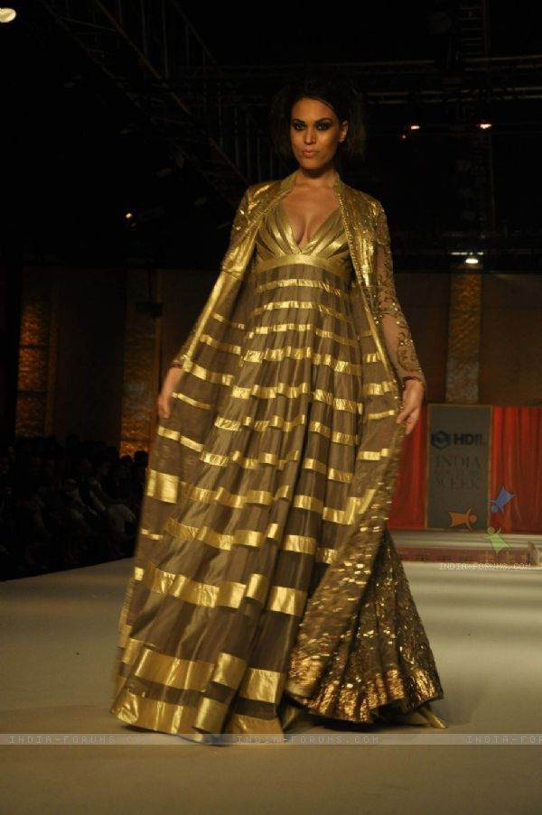 28 Best Rohit Bal Images On Pinterest Rohit Bal Indian