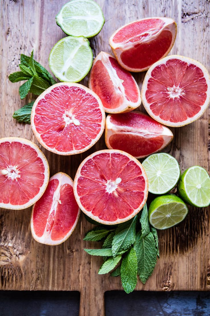 Grapefruits are fructosefriendly // Find fructosefree recipes on http://fifthfloor.kitchen