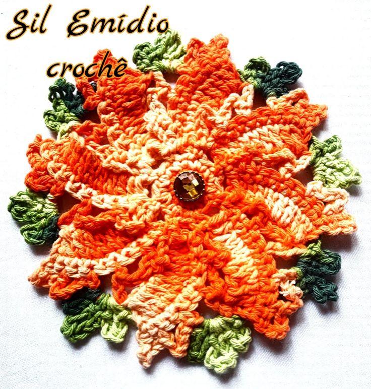 Flor em crochê rasteirinha