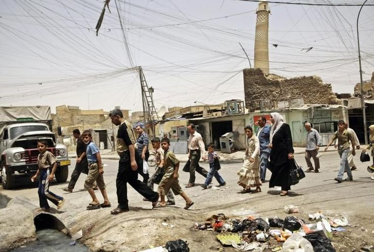 Isis blows up Grand al-Nuri Mosque in Mosul where caliphate was declared, Iraqi army says