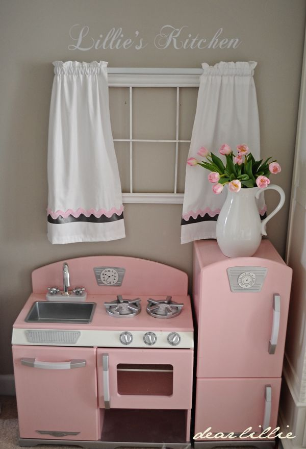Dear Lillie: A Little Bit of Spring in Lillie's Room