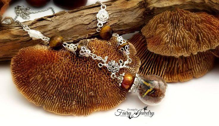 Collana farfalla licheni terrario ampolla  micro giardino occhio di tigre ceramica , by Evangela Fairy Jewelry, 15,00 € su misshobby.com