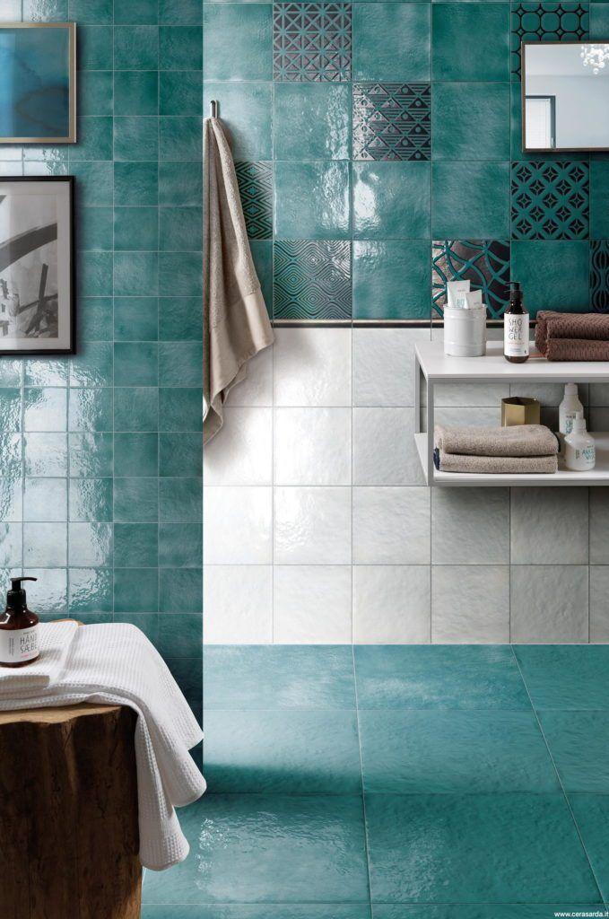 Arredo Bagno Moderno Colorato.Bagni Colorati Idee E Nuovi Trend Piastrelle Per Bagni Moderni Bagni Moderni Bagni Colorati Arredamento Bagno Rustico
