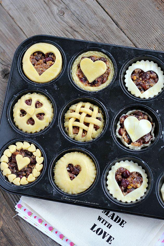 Chiarapassion: Mini pie con mela, mandorle e uvetta
