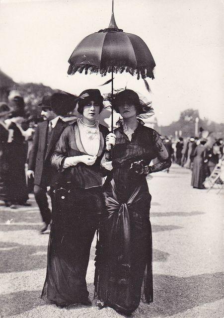 Paris, 1910s.: 1910 S, Parisians Chic, French Fashion, Paris1910, Vintage Goth, Paris 1910, Vintage Lady, Victorian Fashion, 1910S