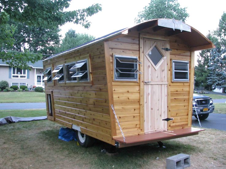 Build Your Own Gypsy Wagon   Cramalot, a rebuild of a 1970s Scotty Highlander, with a gypsy flair.