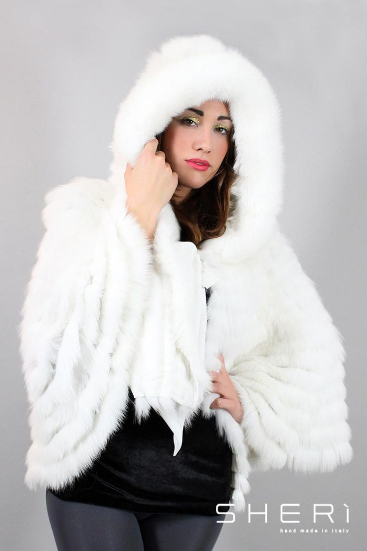IT: Alaska - Mantella volpe bianca con cappuccio - Codice: 122 EN: Alaska - white fox cape with hood - Code: 122 Alaska - белая накидка с капюшоном из лисы - код: 122 #sheri #fur #fashion #white #fox #cape #bianco #volpe #mantella #furfashion #pellicce #pellicceria #luxury #moda #fall #winter #madeinitaly #handmade