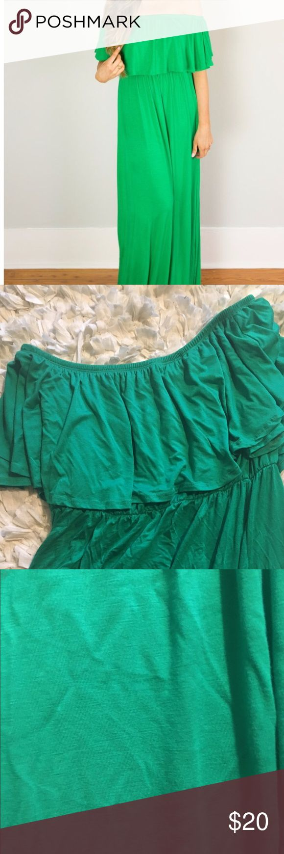 Green maxi dress Can be worn off shoulder or strapless, worn 1 time Dresses Maxi