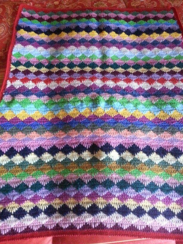 Copertina di lana realizzata con l'uncinetto