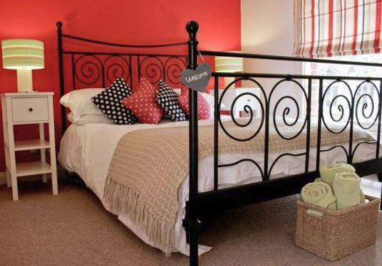 www.theholidaycottages.co.uk, St Mary's Cottage, Hadleigh, Ipswich, Suffolk, England. Holiday. Travel. Self Catering. Cottage. Dog Friendly. Romantic Break.