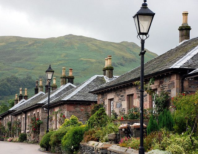 The village of Luss by the shores of Loch Lomond, Scotland (by andreabx).
