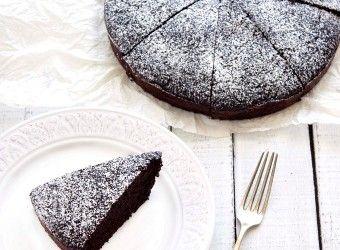 Σοκολατένιο κέικ χωρίς αυγά και γάλα | InfoKids