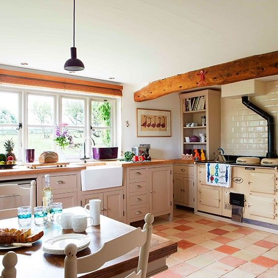 Kitchen | Oxfordshire modern country house | House tour | PHOTO GALLERY | Country Homes and Interiors | Housetohome.co.uk