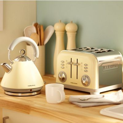 Farmhouse chic.  Morphy Richards Cream accents traditional kettle - 43775- at Debenhams Mobile