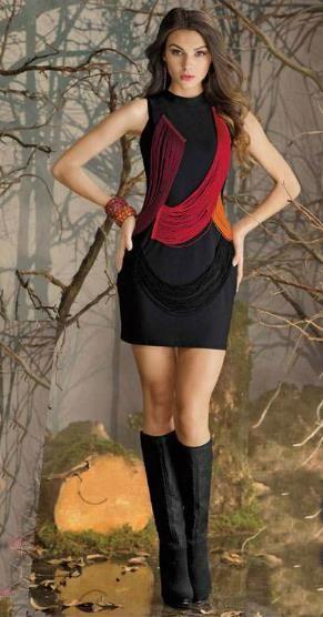 Outfit de otoño 2015 con vestido corto y botas largas
