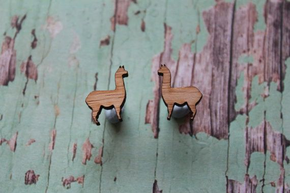 These sharp little ~studs~. | 23 Things You Need If You Secretly Have A Thing For Llamas