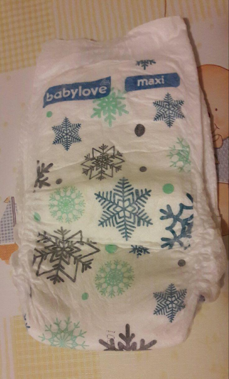 Winter style diaper 😁  #diaper #baby #nappy #diapers #babygirl #cute #babystuff #mommy #babies #babyneeds #nappies #winter #fashion #dmdeutschland #dmhungary #pelenka #hópehely #snowflake #snowflakes #momlife #mommylife #momblog ##mommyblog